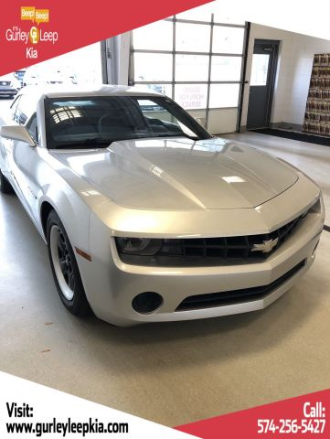 Pre-Owned 2011 Chevrolet Camaro 2LS